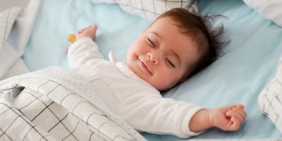 Baby to Sleep with a Blanket